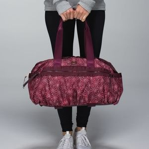 RARE Lululemon Gym To Win Duffle Bag Star Bordeaux